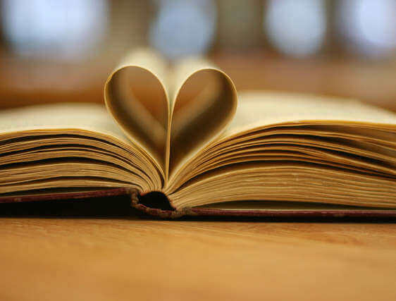 Book Love - How To Write A Blog Post People Will Actually Read and Share