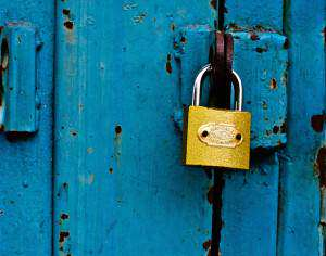 Gold Lock - How To Manage Your Passwords To Keep Pesky Hackers Out Of Your Accounts - LastPass
